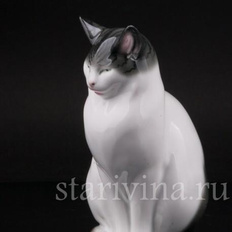 Статуэтка из фарфора Спящий кот, Pfeffer, Gotha, Германия, 1934-42 гг.